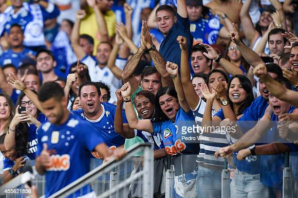 Alisson of Cruzeiro celebrates a scored goal against Atletico PR during a match between Cruzeiro and Atletico PR as part of Brasileirao Series A 2014...