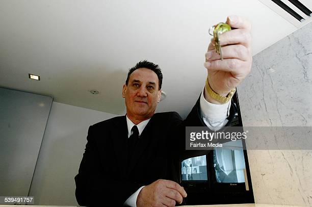 Alistair Barclay a Concierge at Top Of The Town serviced apartments Darlinghurst 15 March 2004 SHD picture by LEE BESFORD