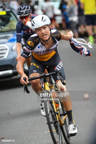 Alistair DONOHOE of Attaque Team Gusto grabs a feed bag during stage 4 at Kinglake as part of the 2017 Jayco Herald Sun Tour on February 05 2017 in...