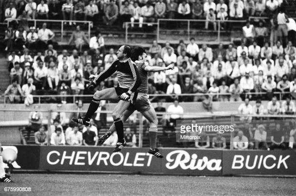 AZ Alkmaar v Ipswich Town in action during 2nd leg match of UEFA Cup Final at the Olympic Stadium in Amsterdam May 1981 John Wark Final score AZ...
