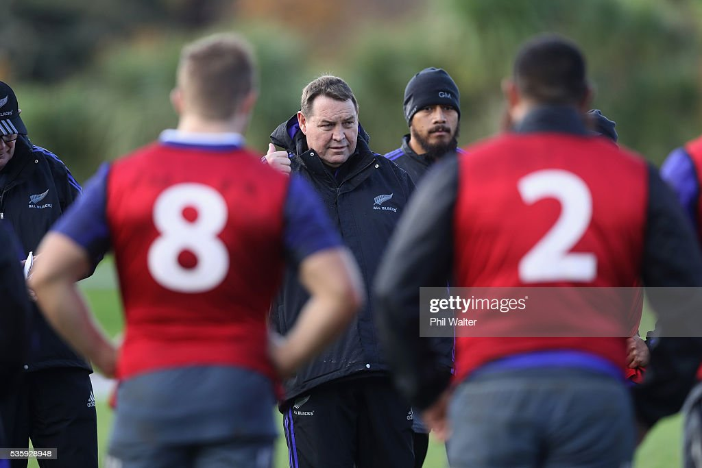 All Black coach <a gi-track='captionPersonalityLinkClicked' href=/galleries/search?phrase=Steve+Hansen&family=editorial&specificpeople=228915 ng-click='$event.stopPropagation()'>Steve Hansen</a> during a New Zealand All Blacks training session at Trusts Stadium on May 31, 2016 in Auckland, New Zealand.