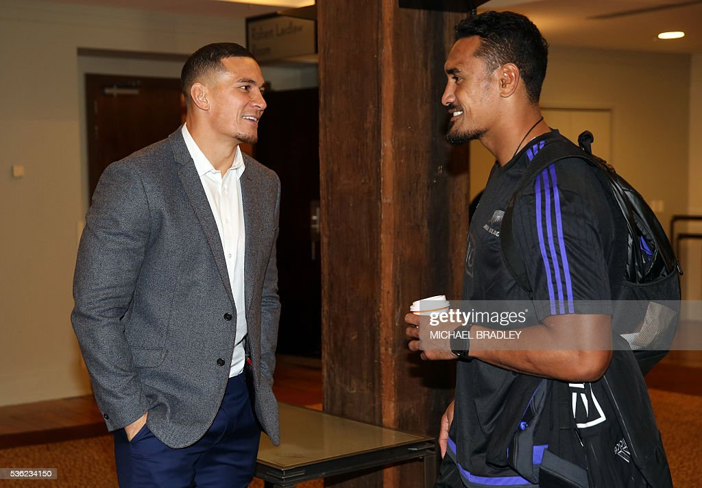 All Black Sonny Bill Williams (L) and All Blacks Jerome Kaino (R) after it was announced that Sonny Bill Williams has signed a three year deal with the New Zealand Rugby Union and will play for the Auckland Blues next year in Auckland on June 01, 2016. / AFP / MICHAEL