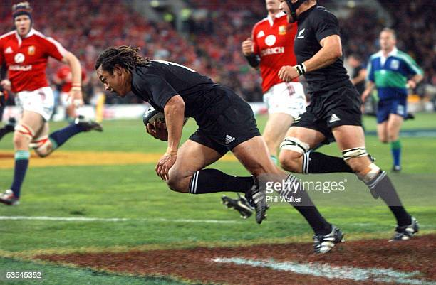 All Black Tana Umaga scores his try against the British and Irish Lions in the 2nd rugby union match played at the Westpac Stadium in Wellington New...