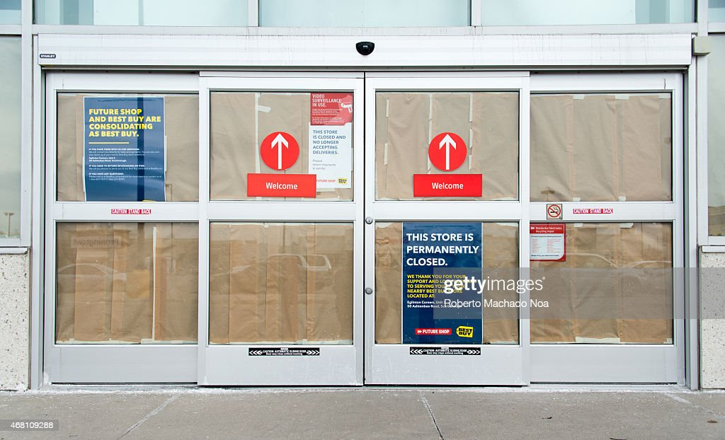 all canadian future shop stores were closed today in a swift and pictures getty images. Black Bedroom Furniture Sets. Home Design Ideas