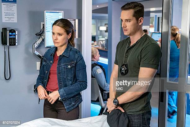 D 'All Cylinders Firing' Episode 405 Pictured Sophia Bush as Erin Linday Jesse Lee Soffer as Jay Halstead