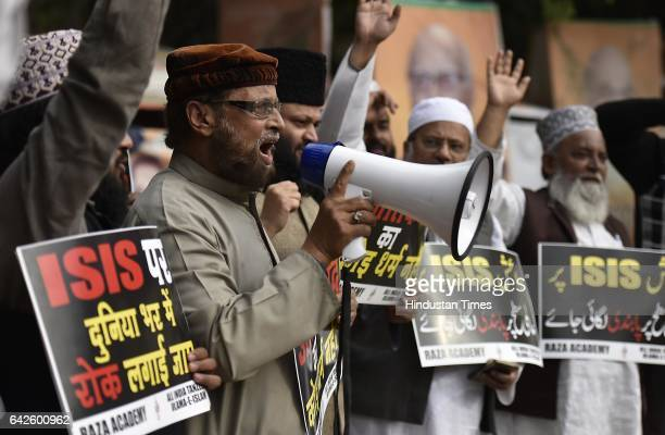 All India Tanzeem UlamaEIslam Muslim members and Raza Academy workers protest against bomb blast at Lal Shahbaz Qalander Shrine in Pakistan and ISIS...