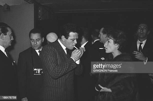 All Paris Came To Applaud Edith Piaf At The Olympia Le tout Paris venu applaudir Edith PIAF à l'Olympia dans la salle Annie GIRARDOT fumant une...