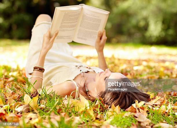 Tutte le esigenze è il suo libro e un luogo tranquillo
