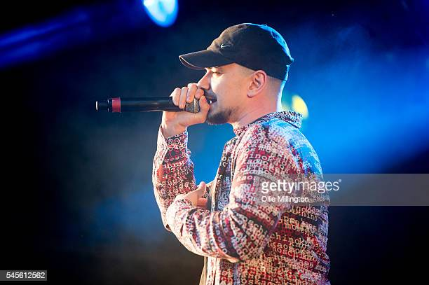 Allan 'Seapa' Mustafa performs in character as MC Grindah of Kurupt FM from the hit BBC British Garage music Comedy The people just do nothing...