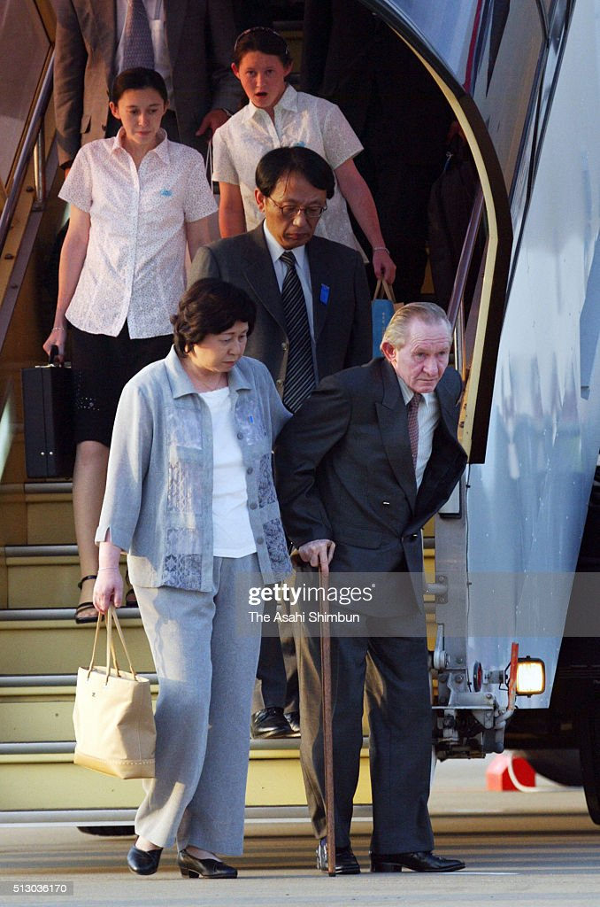 Alleged US Army deserter Charles Jenkins and his wife and former abductee by North Korea Hitomi Soga arrive with their daughters Mika and Brinda at...