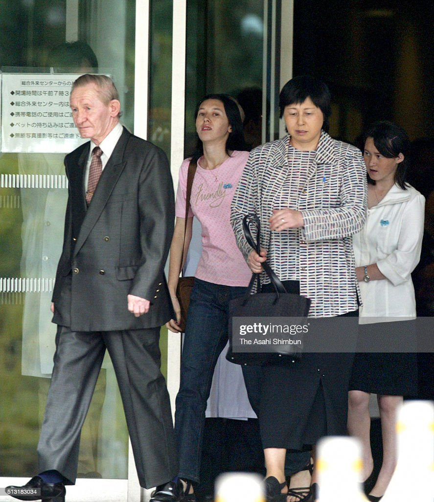 Alleged US Army deserter Charles Jenkins and his wife Hitomi Soga leave the Tokyo Women's Medical University September 11 2004 in Tokyo Japan Jenkins...
