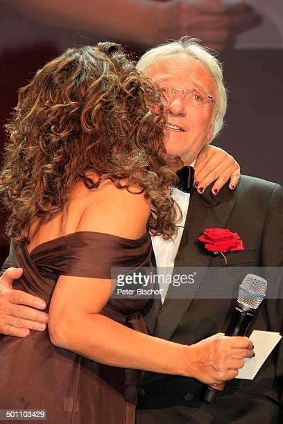 Allegra Curtis Manfred Pasenau BenefizGala 28 'Deutscher Opernball' 2010 zu Gunsten Stiftung 'Menschen für Menschen' Äthiopienhilfe 'Alte Oper'...