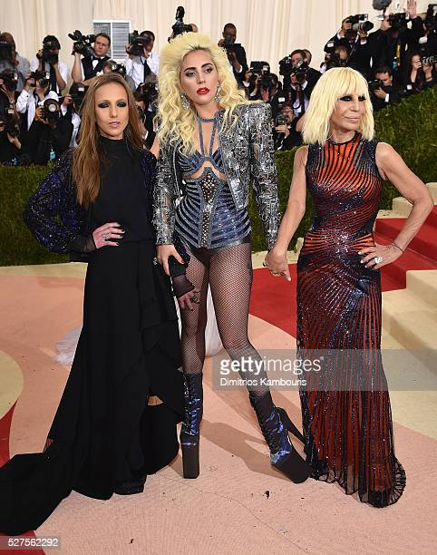 Allegra Versace Beck Lady Gaga and Donatella Versace attend the 'Manus x Machina Fashion In An Age Of Technology' Costume Institute Gala at...