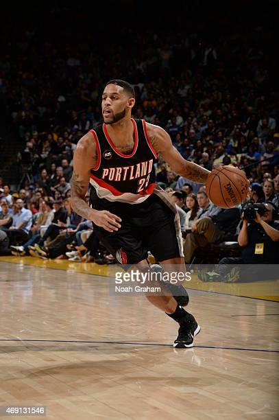 Allen Crabbe of the Portland Trail Blazers drives to the basket against the Golden State Warriors during the game on April 9 2015 at ORACLE Arena in...