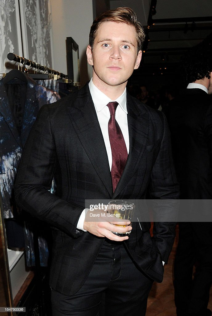 <a gi-track='captionPersonalityLinkClicked' href=/galleries/search?phrase=Allen+Leech&family=editorial&specificpeople=2167022 ng-click='$event.stopPropagation()'>Allen Leech</a> attends the launch of the Alexander McQueen Menswear boutique on Savile Row on October 25, 2012 in London, England.