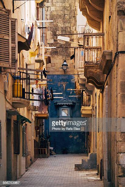 Alley in Valletta (Malta)