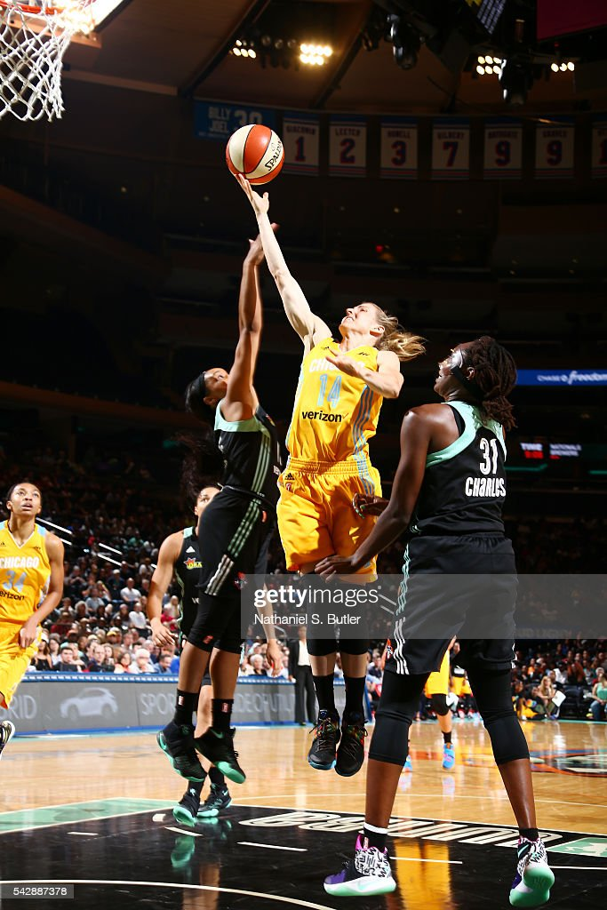 <a gi-track='captionPersonalityLinkClicked' href=/galleries/search?phrase=Allie+Quigley&family=editorial&specificpeople=5133567 ng-click='$event.stopPropagation()'>Allie Quigley</a> #14 of the Chicago Sky goes for the lay up against the New York Liberty on June 24, 2016 at Madison Square Garden in New York, New York.