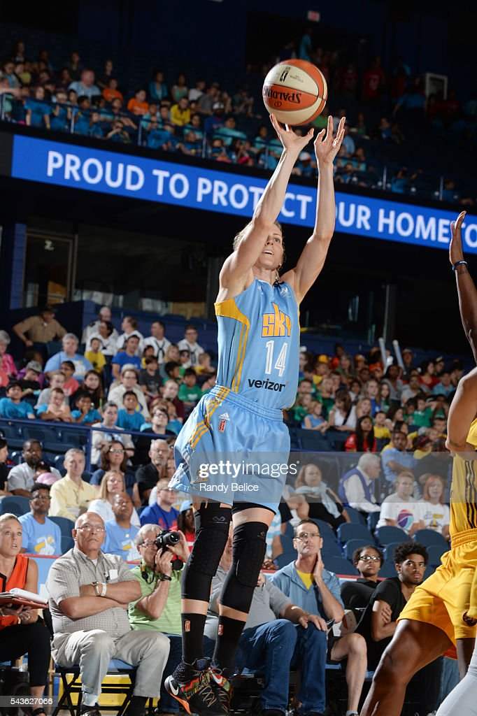 <a gi-track='captionPersonalityLinkClicked' href=/galleries/search?phrase=Allie+Quigley&family=editorial&specificpeople=5133567 ng-click='$event.stopPropagation()'>Allie Quigley</a> #14 of the Chicago Sky shoots the ball against the Indiana Fever on June 29, 2016 at Allstate Arena in Rosemont, IL.