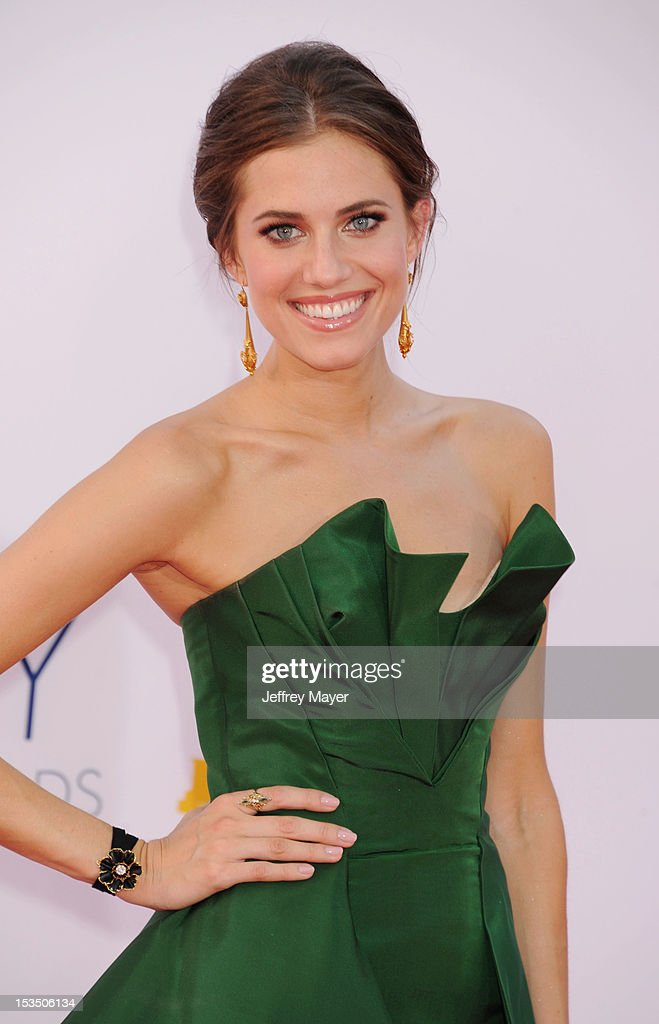 Allison Williams arrives at the 64th Primetime Emmy Awards at Nokia Theatre L.A. Live on September 23, 2012 in Los Angeles, California.