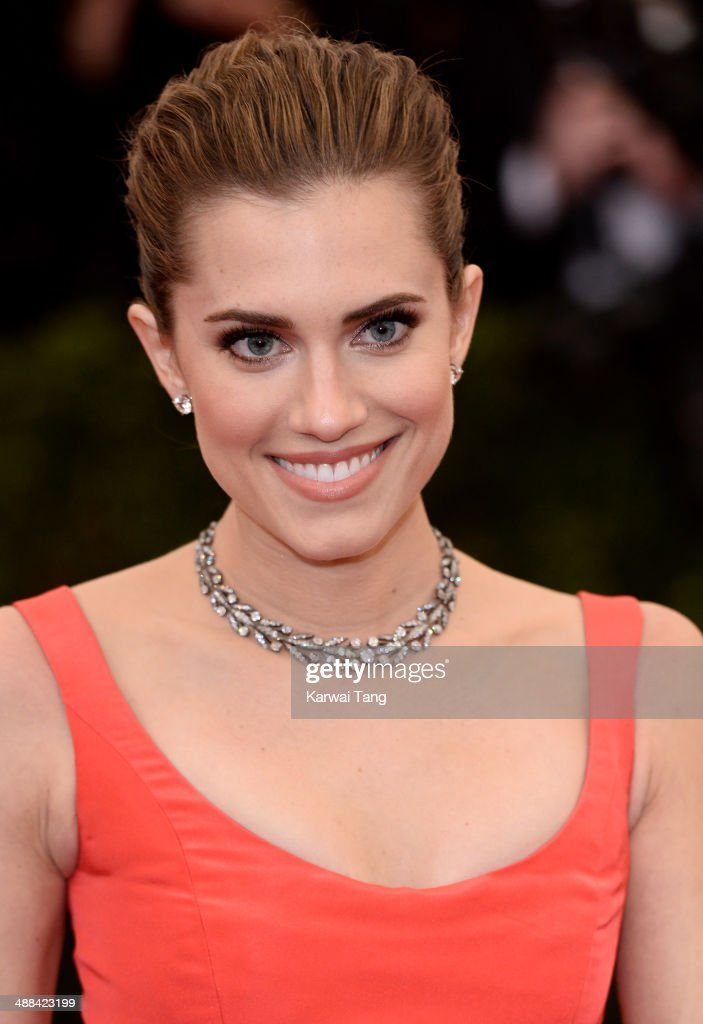 Allison Williams attends the 'Charles James: Beyond Fashion' Costume Institute Gala held at the Metropolitan Museum of Art on May 5, 2014 in New York City.