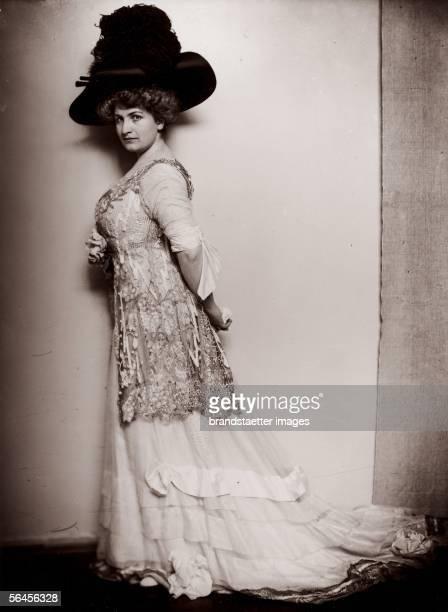 Alma Mahler Austria Photography 1909 [Alma Mahler oesterreich Photographie 1909]