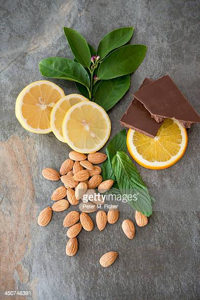Almonds with oranges, chocolate and mint leaves