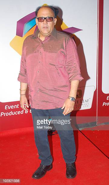Alok Nath at the Gold awards in Mumbai on June 19 2010