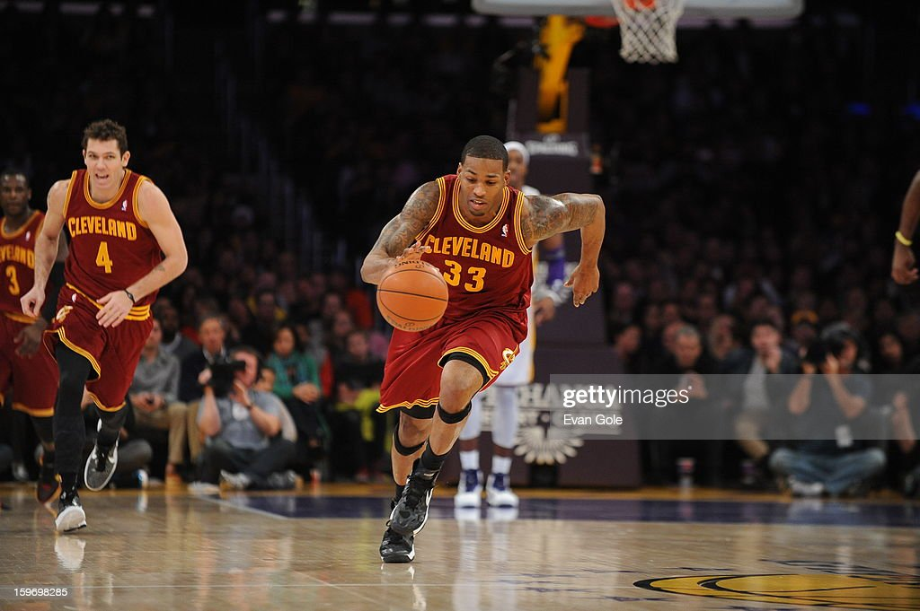 <a gi-track='captionPersonalityLinkClicked' href=/galleries/search?phrase=Alonzo+Gee&family=editorial&specificpeople=801443 ng-click='$event.stopPropagation()'>Alonzo Gee</a> #33 of the Cleveland Cavaliers drives up-court against the Los Angeles Lakers at Staples Center on January 13, 2013 in Los Angeles, California.