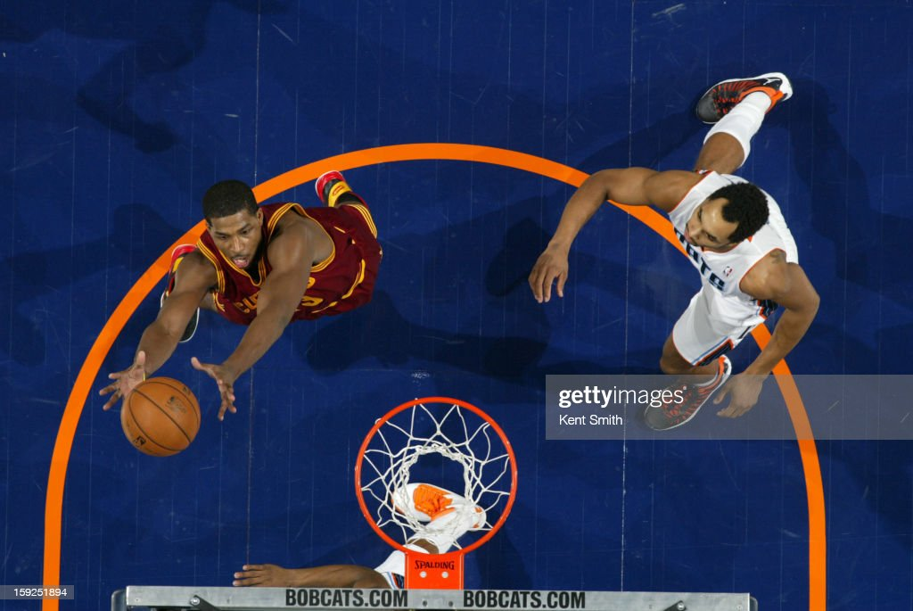 <a gi-track='captionPersonalityLinkClicked' href=/galleries/search?phrase=Alonzo+Gee&family=editorial&specificpeople=801443 ng-click='$event.stopPropagation()'>Alonzo Gee</a> #33 of the Cleveland Cavaliers grabs a rebound against the Charlotte Bobcats at the Time Warner Cable Arena on January 4, 2013 in Charlotte, North Carolina.