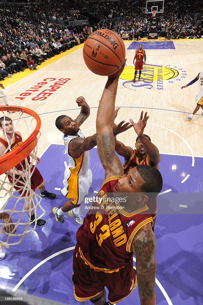 Alonzo Gee #33 of the Cleveland Cavaliers rises for a dunk against the Los Angeles Lakers at Staples Center on January 13, 2013 in Los Angeles, California.
