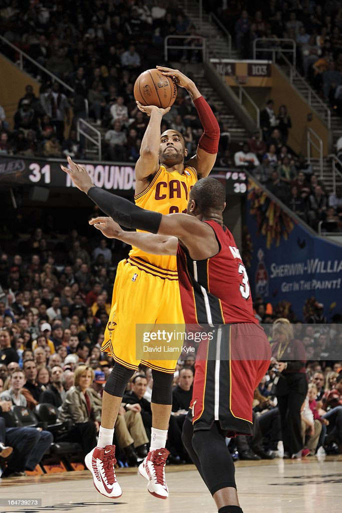 <a gi-track='captionPersonalityLinkClicked' href=/galleries/search?phrase=Alonzo+Gee&family=editorial&specificpeople=801443 ng-click='$event.stopPropagation()'>Alonzo Gee</a> #33 of the Cleveland Cavaliers takes a shot against the Miami Heat at The Quicken Loans Arena on March 20, 2013 in Cleveland, Ohio.