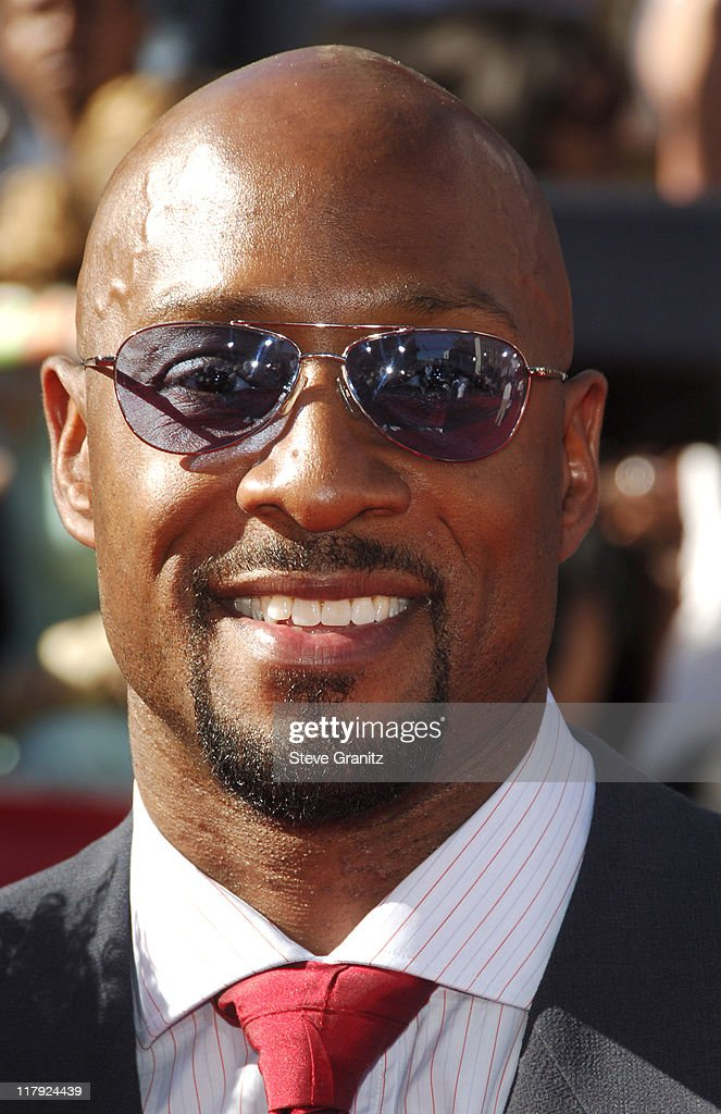 Alonzo Mourning during 2006 ESPY Awards - Arrivals at Kodak Theatre in Los Angeles, California, United States.