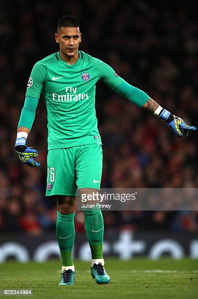 Alphonse Areola of PSG in action during the UEFA Champions League Group A match between Arsenal FC and Paris SaintGermain at the Emirates Stadium on...