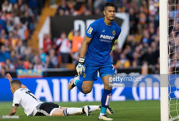 Alphonse Areola of Villarreal CF and Rodrigo Moreno of Valencia during the Spanish League Match match at Estadio Mestalla Valencia on 1May of 2016
