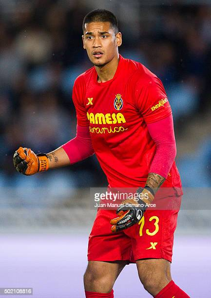 Alphonse Areola of Villarreal CF reacts during the La Liga match between Real Sociedad de Futbol and Villarreal CF at Estadio Anoeta on December 20...