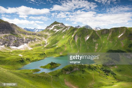 alpin lake schreeksee in bavaria, allgau alps, germany