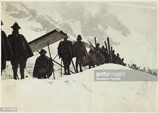 LOMAGLIO Alpine troopers on the Adamello Italy 1916 Gelatine process Rome Central Museum of the Risorgimento