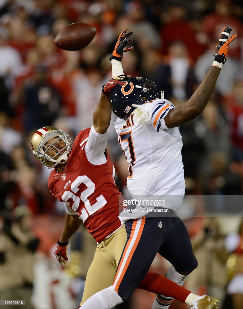Alshon Jeffery #17 of the Chicago Bears can't come up with the catch in the endzone guarded by Carlos Rogers #22 of the San Francisco 49ers during the third quarter at Candlestick Park on November 19, 2012 in San Francisco, California. The 49ers won the game 32-7.