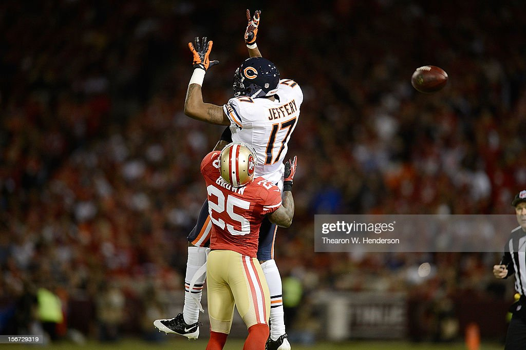 Alshon Jeffery #17 of the Chicago Bears can't come up with the catch on the sidelines guarded by Tarell Brown #25 of the San Francisco 49ers during the third quarter at Candlestick Park on November 19, 2012 in San Francisco, California. The 49ers won the game 32-7.