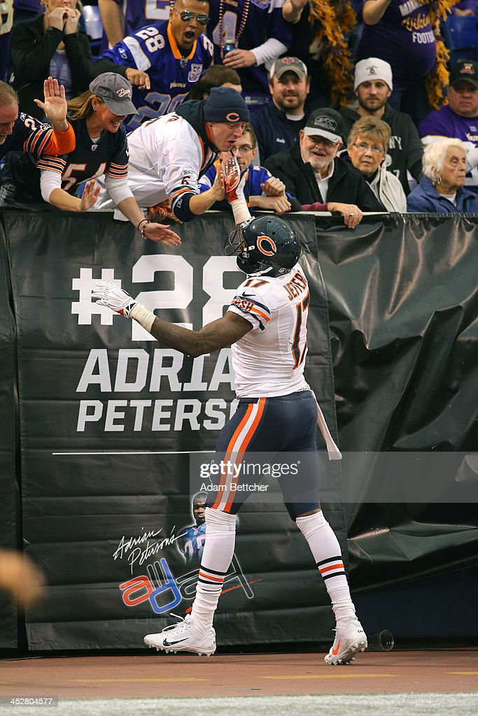 <a gi-track='captionPersonalityLinkClicked' href=/galleries/search?phrase=Alshon+Jeffery&family=editorial&specificpeople=6493995 ng-click='$event.stopPropagation()'>Alshon Jeffery</a> #17 of the Chicago Bears celebrates a fourth quarter touchdown against the Minnesota Vikings on December 1, 2013 at Mall of America Field at the Hubert Humphrey Metrodome in Minneapolis, Minnesota.