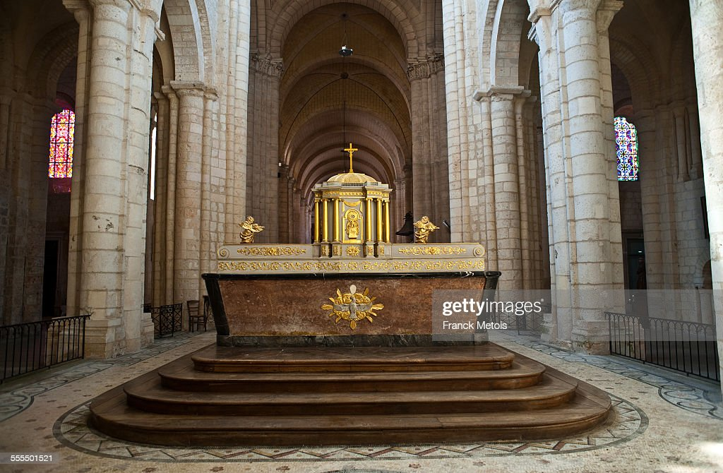 Altar in the Montierneuf church