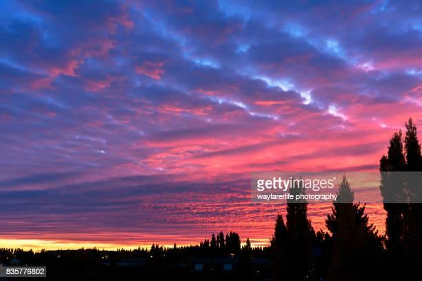 Altocumulus cloud shape at sunrise