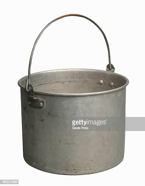 Aluminum pail