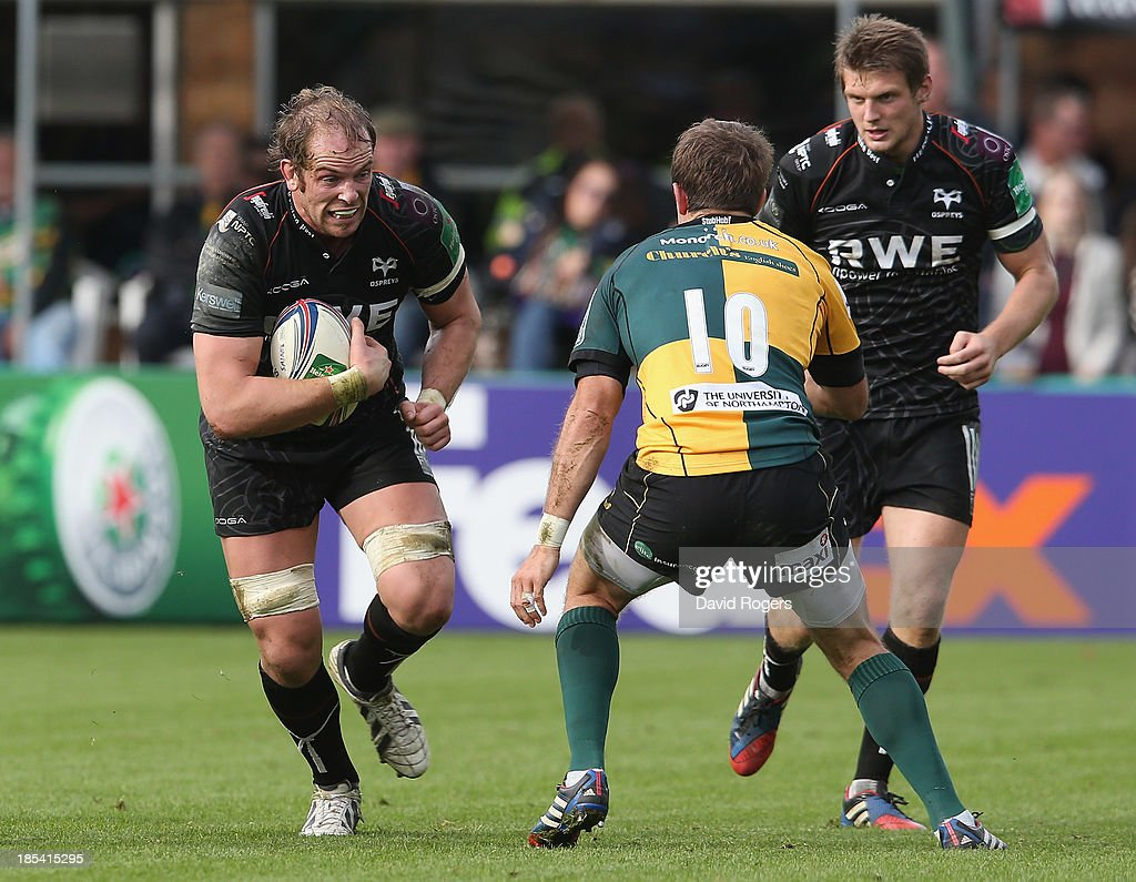 Alun Wyn Jones of the Ospreys takes on <a gi-track='captionPersonalityLinkClicked' href=/galleries/search?phrase=Stephen+Myler&family=editorial&specificpeople=2335052 ng-click='$event.stopPropagation()'>Stephen Myler</a> during the Heineken Cup pool 1 match between Northampton Saints and Ospreys at Franklin's Gardens on October 20, 2013 in Northampton, England.