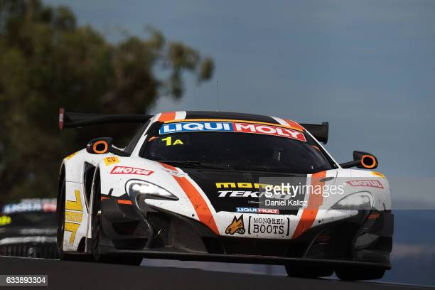 Alvara Parente drives the Tekno Autosports McLaren 650s GT3 during the 2017 Bathurst 12 hour race at Mount Panorama on February 5 2017 in Bathurst...