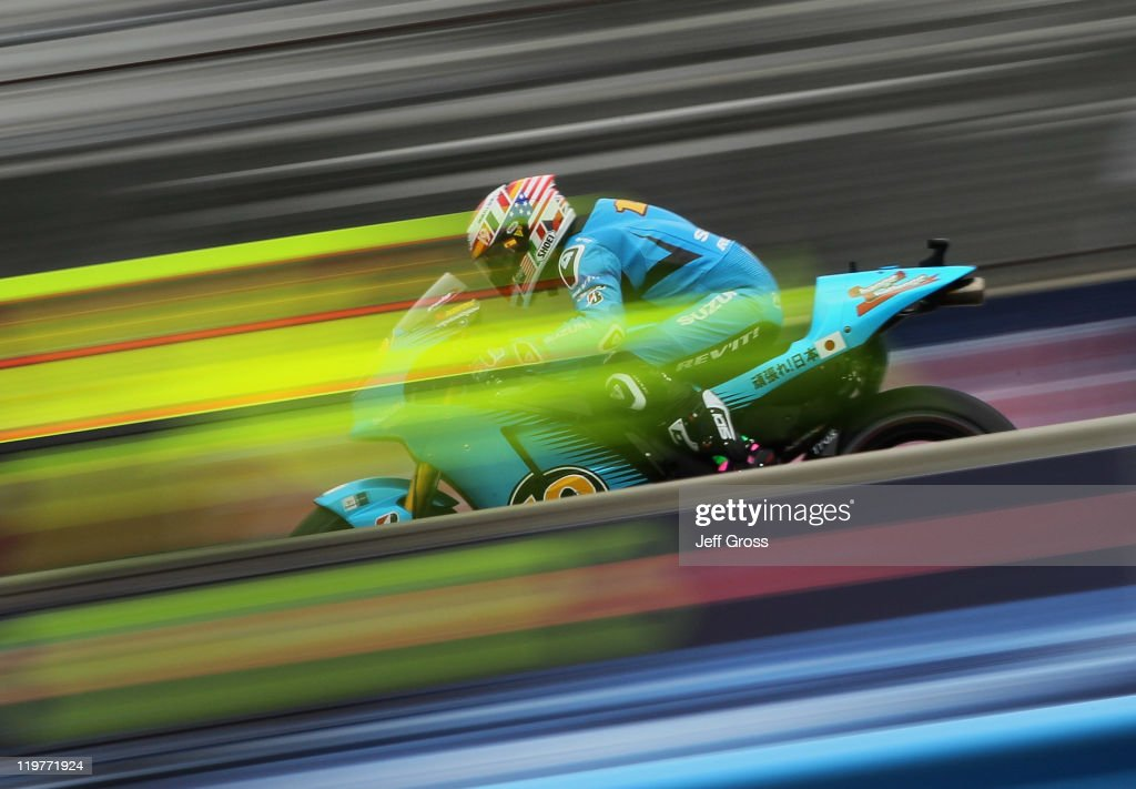 <a gi-track='captionPersonalityLinkClicked' href=/galleries/search?phrase=Alvaro+Bautista&family=editorial&specificpeople=559936 ng-click='$event.stopPropagation()'>Alvaro Bautista</a> of Spain and Rizla Suzuki MotoGP rides during a warm up for the Red Bull U.S. Grand Prix at Mazda Raceway Laguna Seca on July 24, 2011 in Monterey, California.