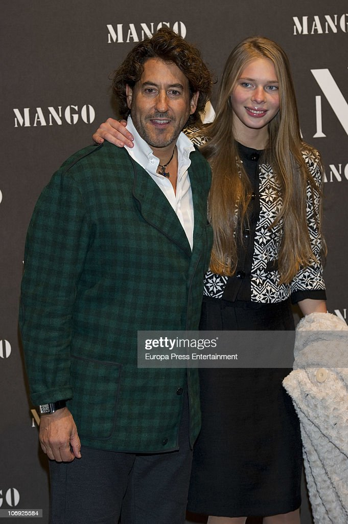 <a gi-track='captionPersonalityLinkClicked' href=/galleries/search?phrase=Alvaro+de+Marichalar&family=editorial&specificpeople=649612 ng-click='$event.stopPropagation()'>Alvaro de Marichalar</a> and Ekaterina Anikieva attend the launch of Mango new spring/summer 2011 collection at the Palacio de Cibeles on November 16, 2010 in Madrid, Spain.