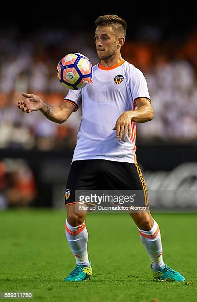 Alvaro Medran of Valencia controls the ball during the preseason friendly match between Valencia CF and AC Fiorentina at Estadio Mestalla on August...