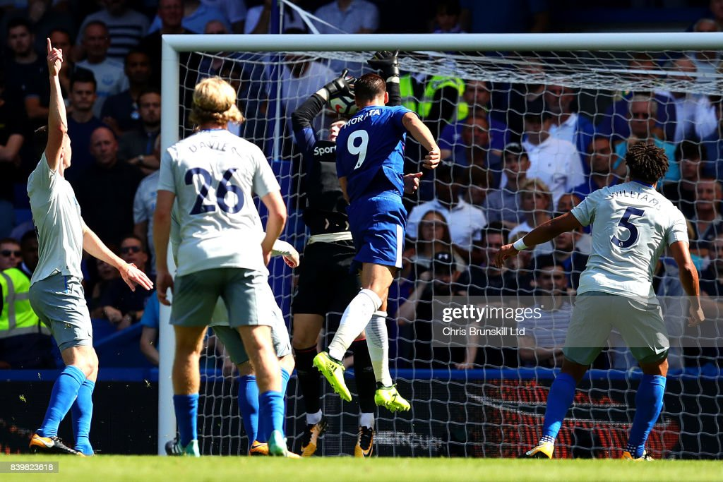 Alvaro Morata of Chelsea heads his side's second goal during the Premier League match between Chelsea and Everton at Stamford Bridge on August 27, 2017 in London, England.