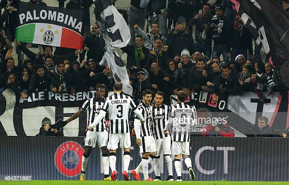 Alvaro Morata of Juventus FC celebrates his goal with his teammates during the UEFA Champions League Round of 16 match between Juventus and Borussia...